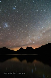Cradle Mountain and aurora with the southern cross