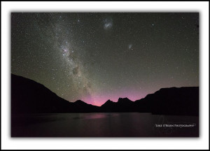 L211: Light pink aurora at Cradle Mt