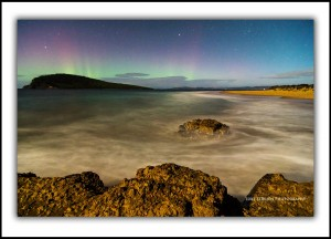 L 124: Moonlit Aurora Australis at South Arm, April 2014