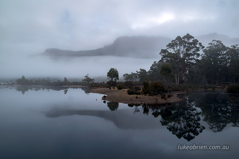 a night at narcissus hut lake st clair luke o brien photography mt olympus through the morning mist from narcissus